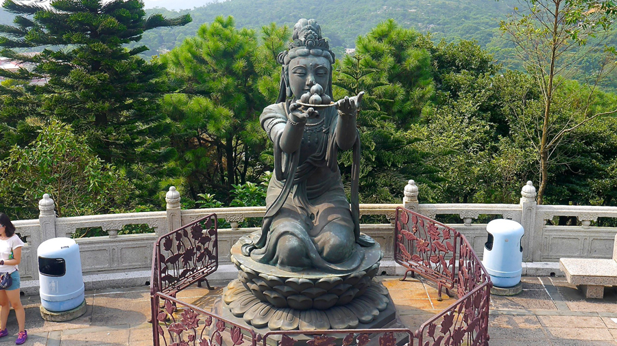 One of the many statues surrounding the Big Buddha