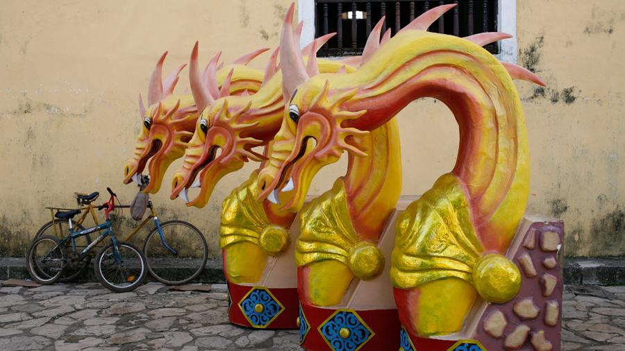 Huge polystyrene pink-horned dragons
