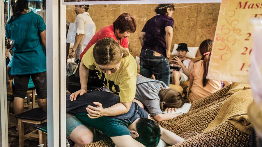 Street-side massage in Chiang Mai