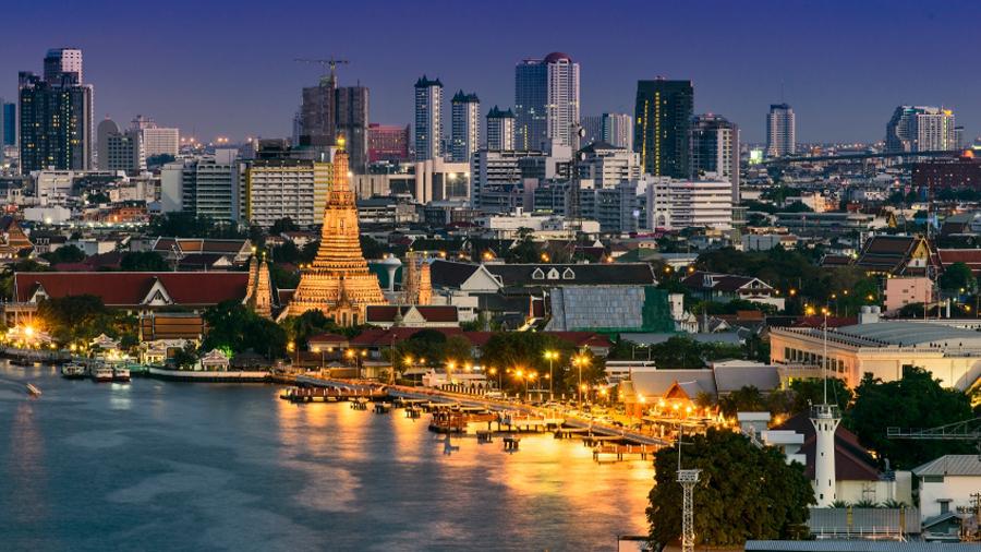 Twilight time of Wat Arun - Thailand