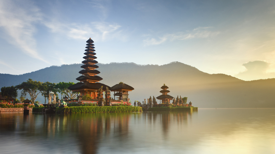 Ulun Danu temple at sunrise, Bali - Indonesia