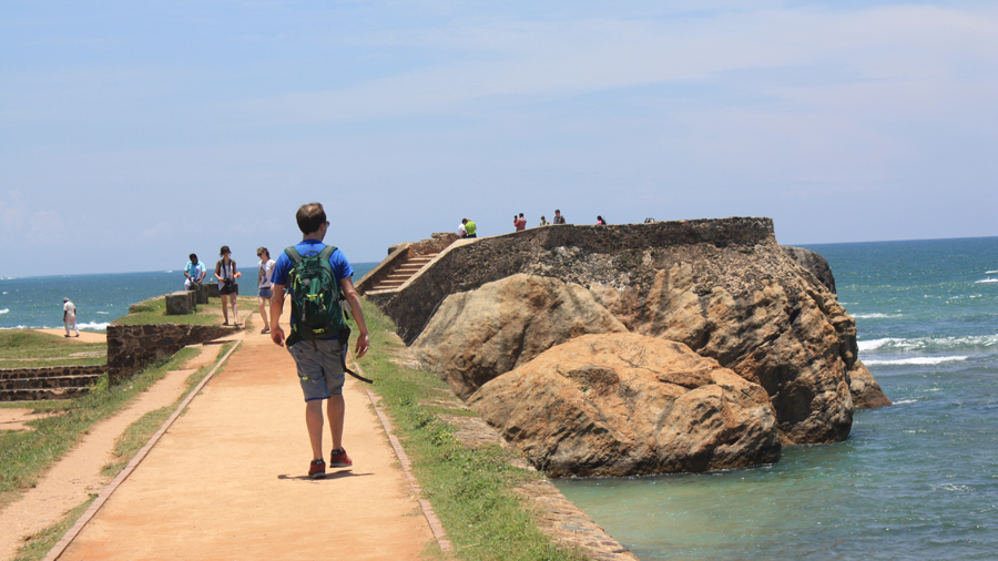 Walking the walls of Galle